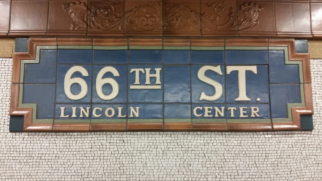 Subway-New York-Stop-Lincoln Center