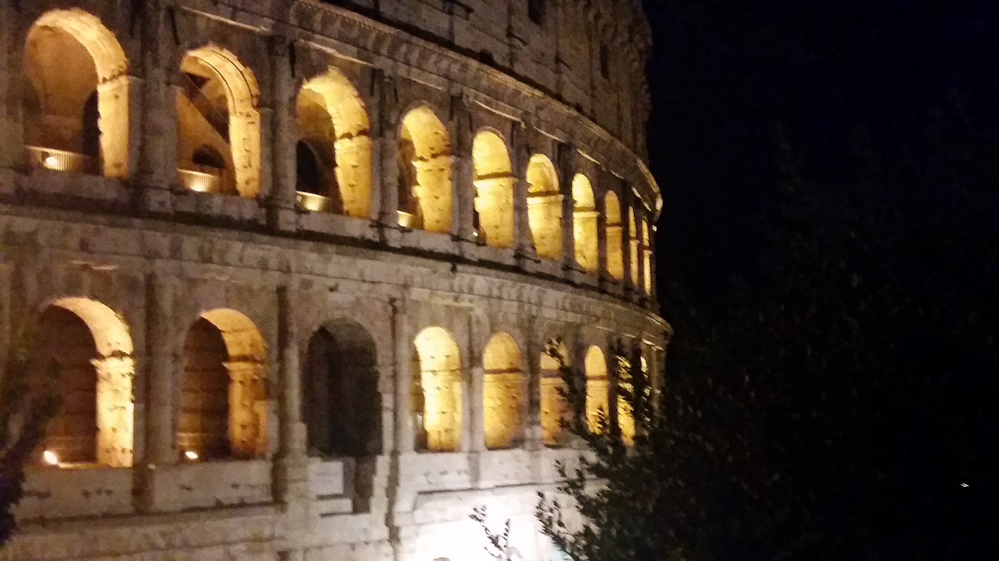 Rome-Colosseum-night