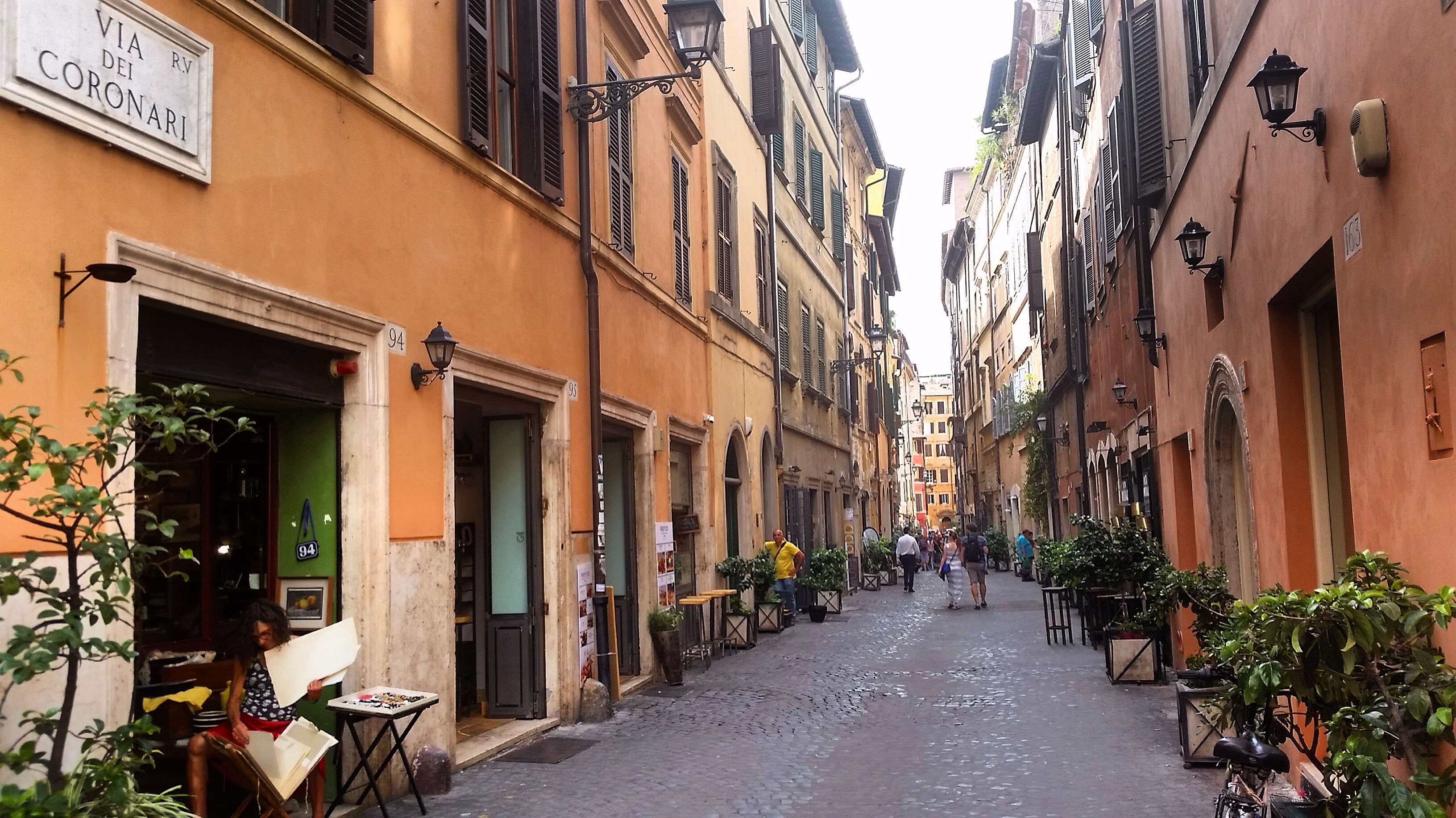 Tranquil-Charming-Via dei Coronari-antique-art shops-Rome.